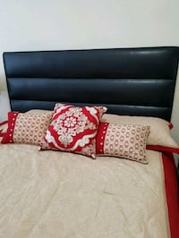 Queen Bed w/built in storage drawer  Toronto, M2K 3E5