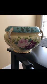 Antique bowl/vase