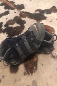 nike more air uptempo size 9.5