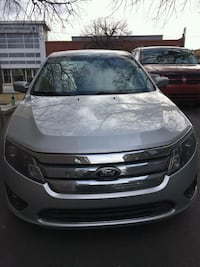 gray Ford Fusion Pointe-Claire, H9R