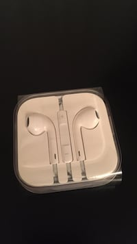 White apple earpods in case Vancouver, V6E 1L5