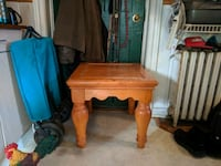 Solid Wood side table Cambridge, N3C 1G7
