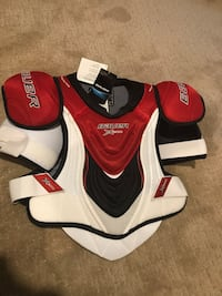 Bauer x800 shoulder pads. SR-small. Brand new condition with tags still on Winnipeg, R3P 0L5