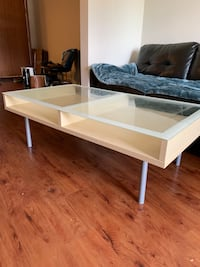 Gorgeous Large Glass Top Coffee Table Edmonton, T6X 0Y3