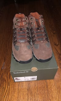 Never Worn Timberland Hiking Boots size 8