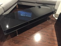 IKEA table in black  Laval, H7N 1S6