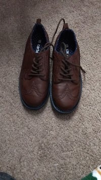 Pair of brown leather dress shoes Greer, 29650