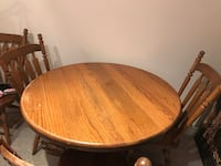 Solid oak table with 4 chairs Toronto, M9C 0A3
