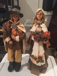 Two ceramic pilgrims figurines Woodbridge, 22193
