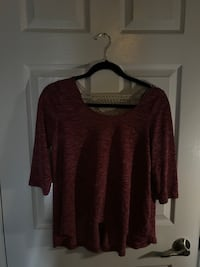 red scoop neck t-shirt Newmarket, L3Y 8H9