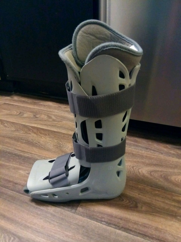 Brand New Air Cast Walking Boot