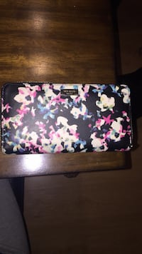 Authentic Kate Spade wallet  Oshawa, L1H 7S4