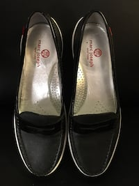pair of black leather flats Santee, 92071