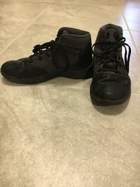 pair of black Nike basketball shoes Lincoln, 68527