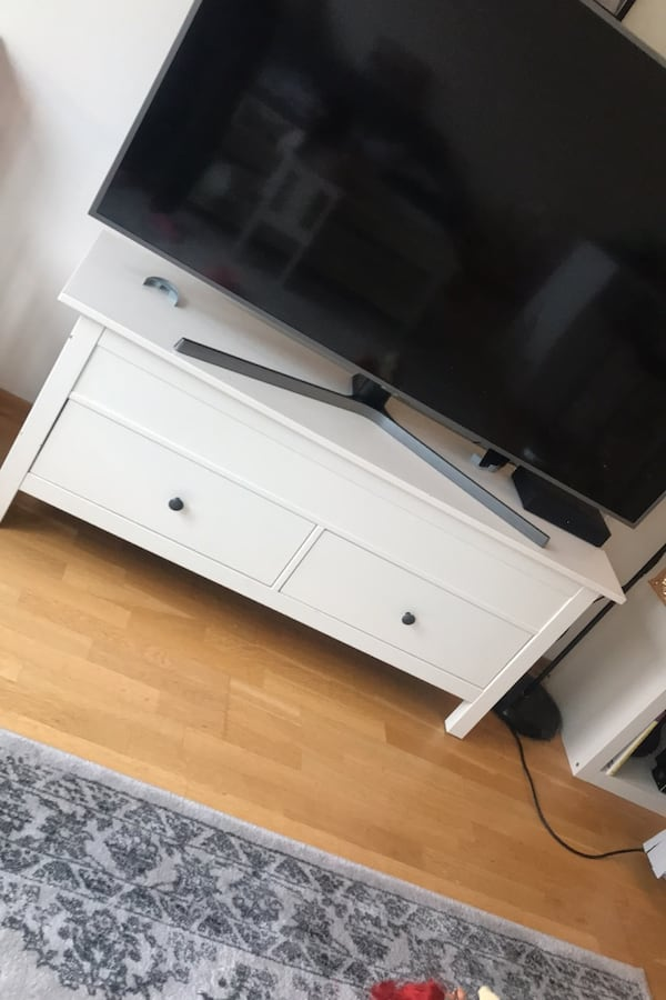 TV benk med oppbevaring  a07b05ae-68ff-46a5-a206-73ebd76401db