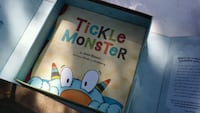 The tickle monster book & gloves Bryan, 77807
