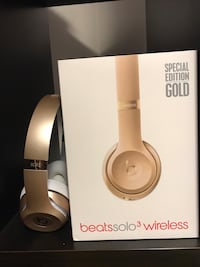 Worn twice gold beats solo 3 special edition Vaudreuil-Dorion, J7V