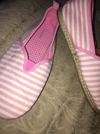 Never worn tom style shoes , size 5w  Markham, L6B 0T4