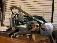 Cobbler sewing machine new used once Lakewood, 98498