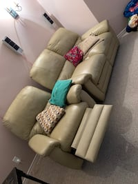 Lazyboy recliner leather
