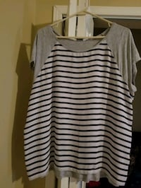 white and black stripe scoop-neck sleeveless top St. Catharines, L2S 3T4