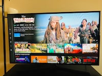 "Samsung 48"" Smart TV with FREE TV unit and lamp 2383 mi"