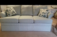 Sofa less than 2 years old. Perfect condition. Smoke free/Pet free home 388 mi
