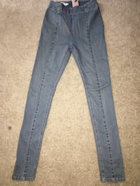 Pleated Jeans size 2 Pleasant Hill, 94523