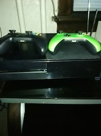 Xbox one 2 controllers and madden 17 Duluth, 55807