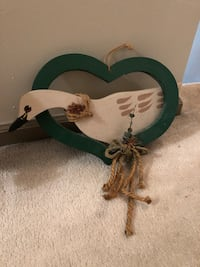 Heart/goose wall decor