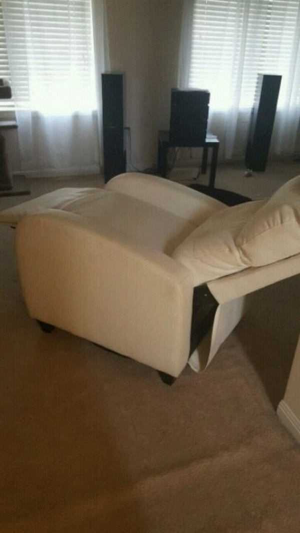 leather recliner(moving sale)