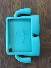 Speck iPad case for kids