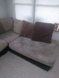 Used couch cushions need to b wash but other than that good condition. Oak Ridge, 37830