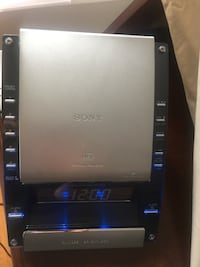 Sony alarm, CD, am, fm radio in great condition also it could be used as a night light from a smoke and pet free home!! Vaughan, L4L 3E3