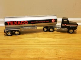 COllECTABLE TEXACO METAL TOY SEMI TRUCK 1990'S