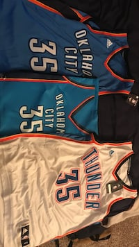 2 jersey and 1 bag... #35 Kevin Durant