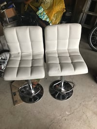 two white leather padded bar stools Milton, L9T 3Z9