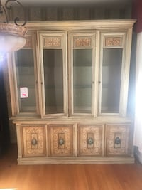 brown wooden framed glass display cabinet Capitol Heights, 20743