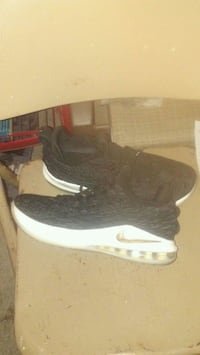 pair of black Nike running shoes Bakersfield, 93305
