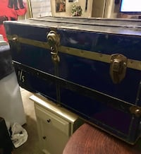 blue and gray metal tool chest 621 km
