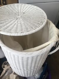 White wicker hamper with lid Glendale, 91214