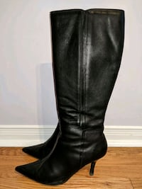 Leather 7.5 knee high boots  Ajax, L1T 4A3