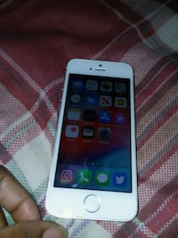 White & Silver IPhone 5s Capitol Heights, 20743