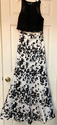 2-piece Black and White Floral Prom Dress. Size 2