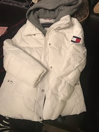 white and gray Tommy Hilfiger hooded jacket