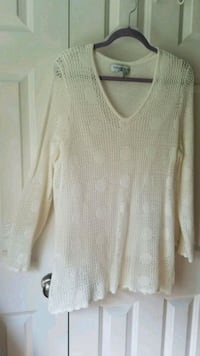 Top/Spring Ivory/Long airey sleeve/1x(14w-16w) Chambersburg, 17201