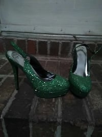 Tinkerbell inspired sz 8 pumps