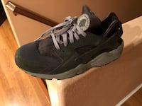 Nike Huraches Size 13 Victorville, 92395