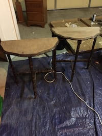 round brown wooden table with two chairs Bakersfield, 93311