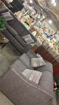 Gray Multi Color Sofa Set, long Sofa has pull out bed Hinesville, 31313